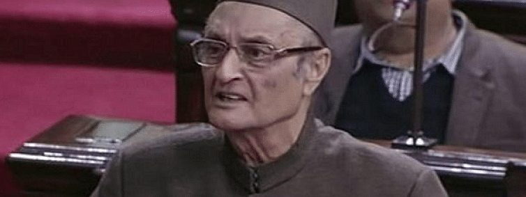 Month wasted pleading for Rahul, choose new chief: Karan Singh