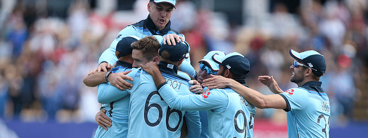 England bowl out Australia for 223 in 49 overs