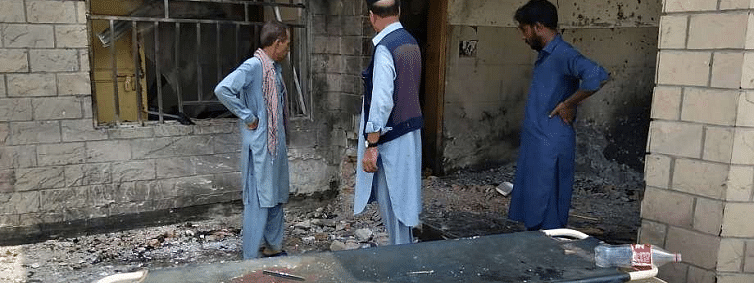 Suicide bomber targets hospital in Pakistan; three killed