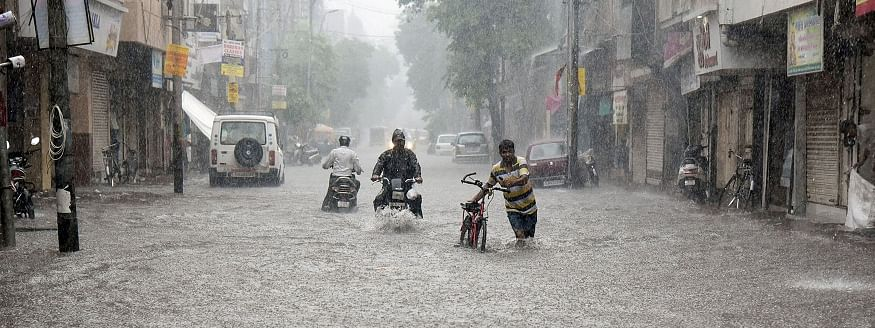 Rain wreaks havoc in Gujarat; hundreds evacuated