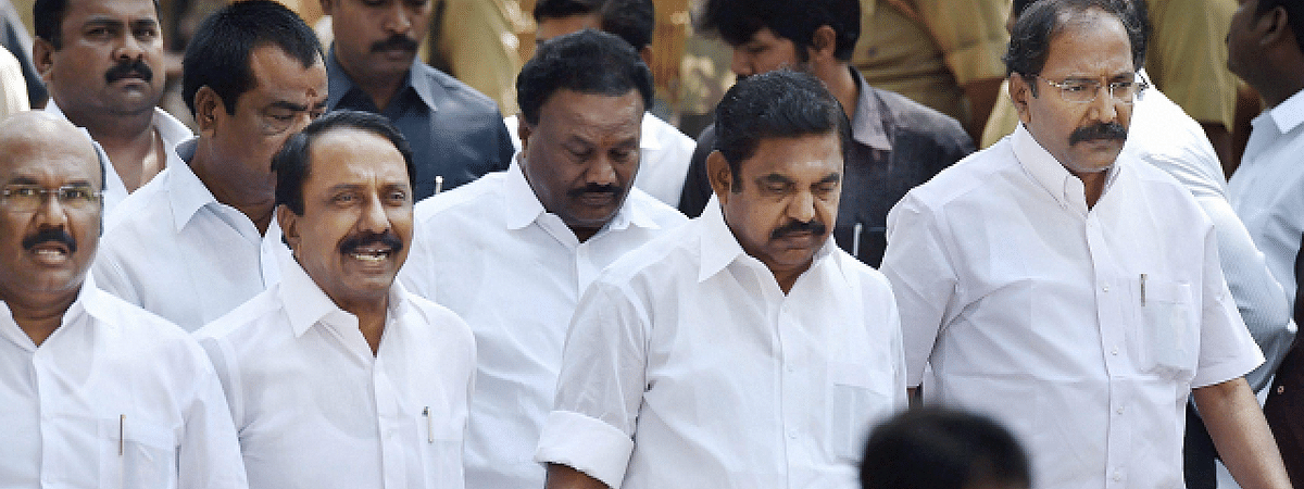 TN Ministers meets AP CM, plead for water release