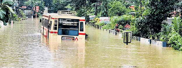 Kerala flood : Death toll rises to 60, about 2,27,333 people shifted