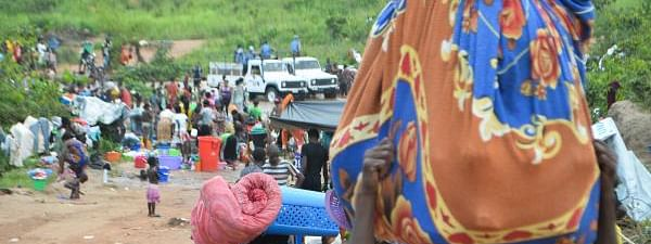Thousands of DR Congo refugees head home from Angola