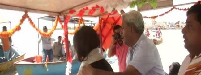 Sushma Swaraj's ashes immersed in Ganga by daughter