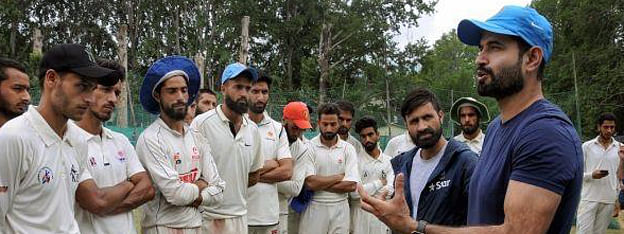 Irfan Pathan, support staff of J&K cricket team asked to leave Kashmir