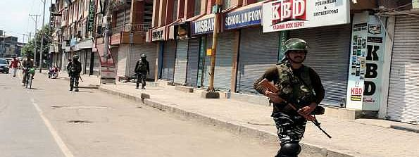 Life remains paralysed for 20th day in Kashmir, restrictions eased