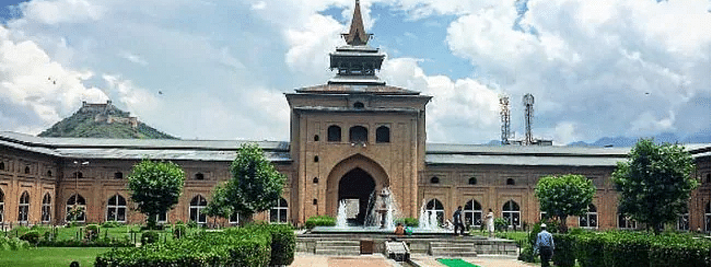 No Friday prayers in Jamia Masjid, other major mosques in Kashmir