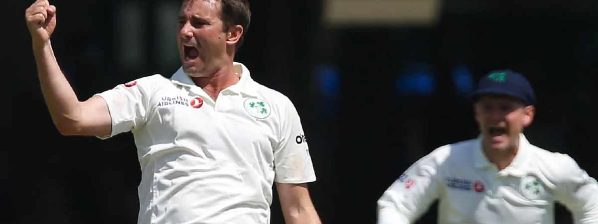 Ashes: Stuart Board, Chris Woakes continue to hunt Aussies heads