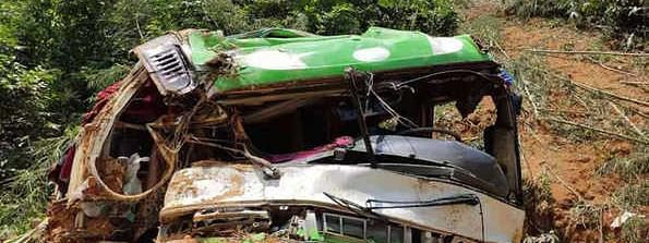 Thirteen Chinese tourists killed as bus skids off road in Laos
