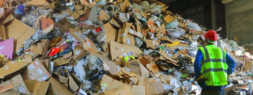 Australian PM sore over plastic low recycling rate