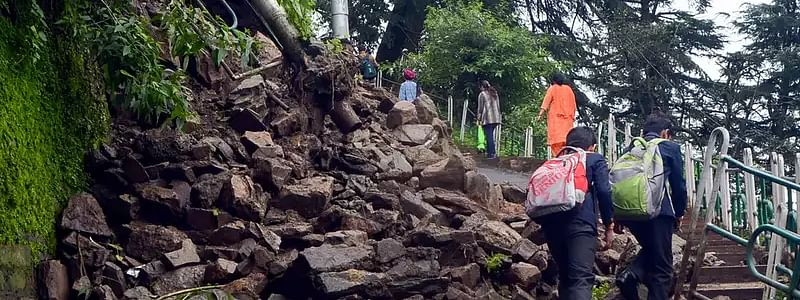 Over 500 students stuck in landslide return home
