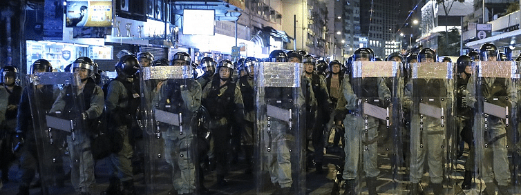 Hong Kong: Chinese army releases anti-riot video