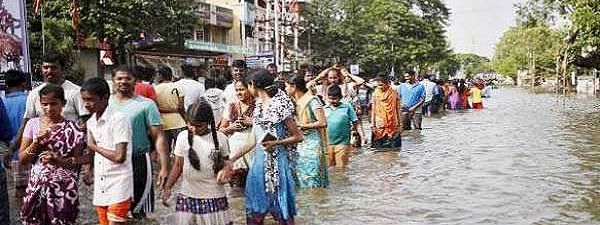 Death toll rises to 76, about 2,87,585 people shifted to 1,654 relief camps in Kerala