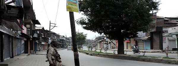 Life, business, hit for 23rd day in Kashmir