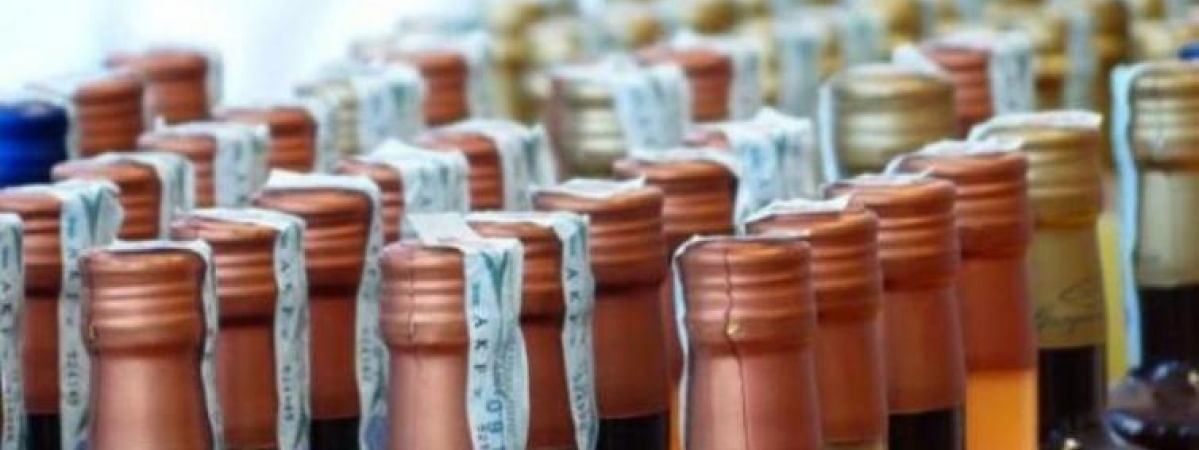 Huge consignments of foreign liquor seized in 'dry' Bihar, two nabbed