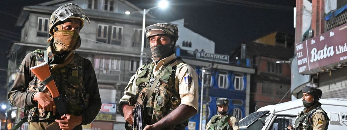 Two Pak-based LeT militants arrested in Gulmarg: Army