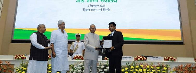 Prez awards Railways on Swachhata action plan