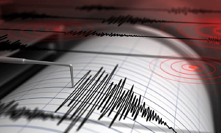 Earthquake jolts Delhi