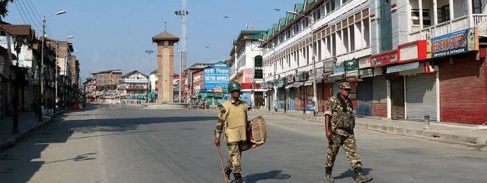 Life remains paralysed for 39th day in Kashmir