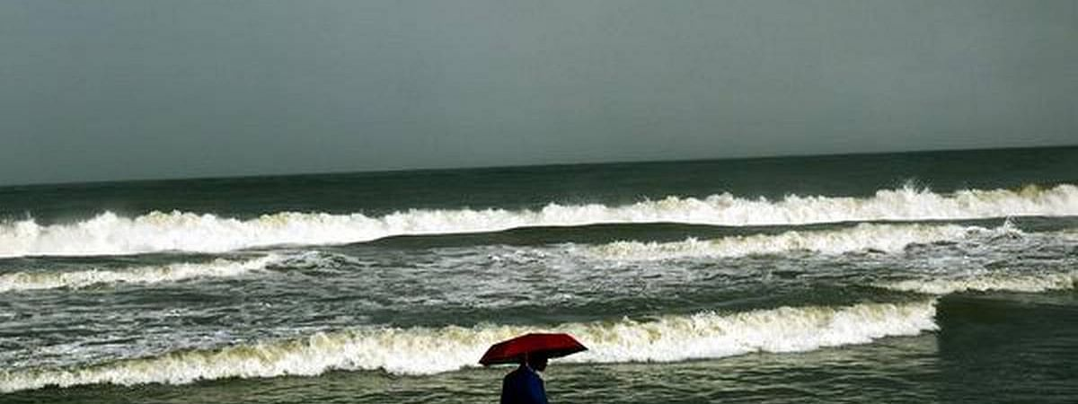 Squally weather likely along & off eastern coasts; fishermen advised to stay away