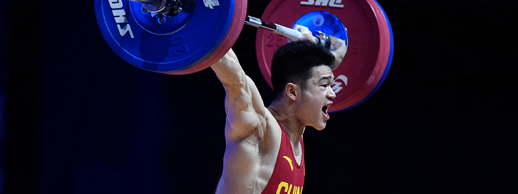 China's star weightlifter Shi dominates men's 73kg at World Championships