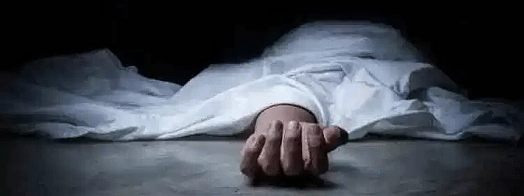 Naked body of girl found hanging in UP