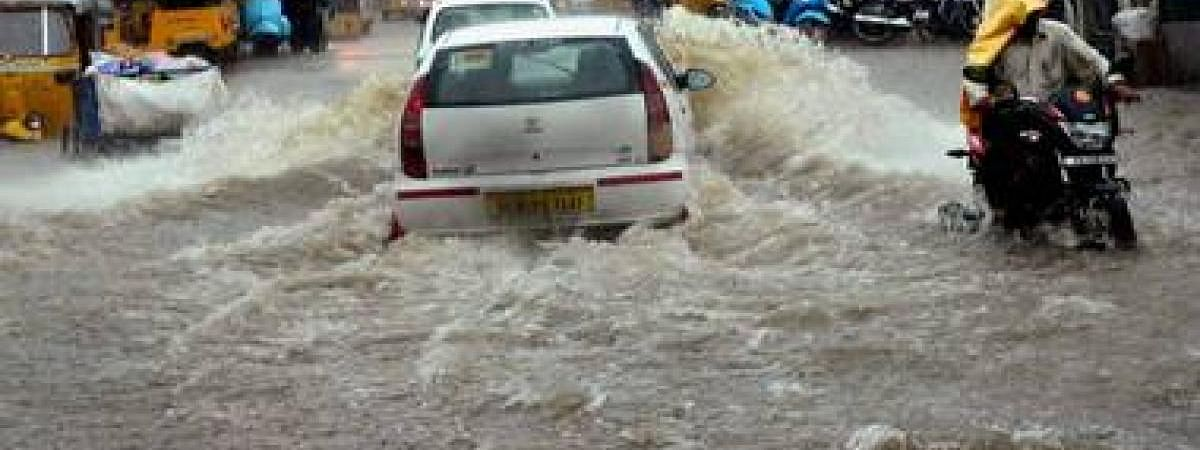 Heavy Rains lash many parts of Hyderabad
