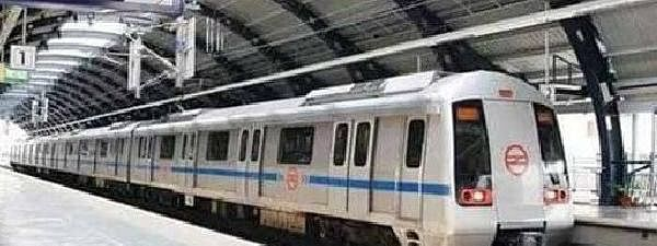 Woman kills self by jumping in front of train