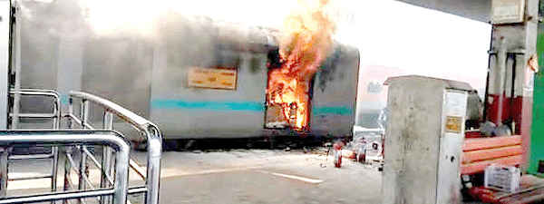 Fire at New Delhi Railway station in Kerala bound train