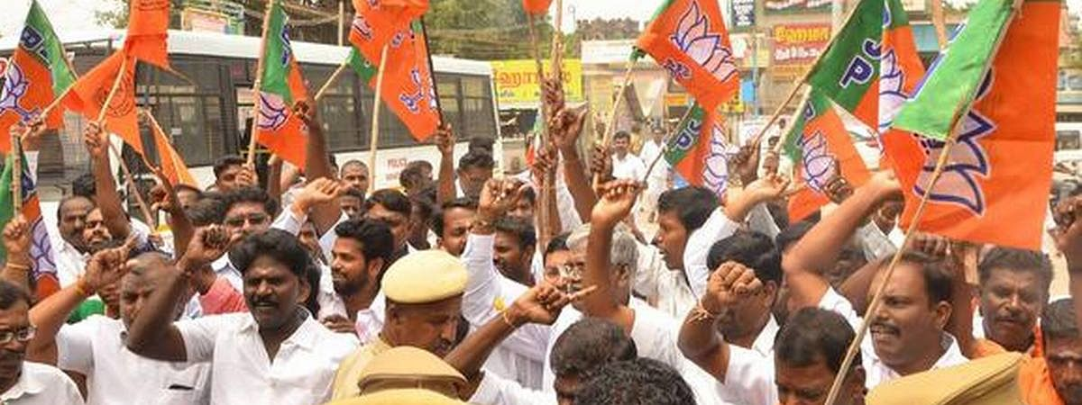 Agitating BJP volunteers arrested in Pondy