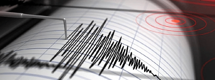 At least 20 killed, over 12,000 take shelter as strong quake hits eastern Indonesia
