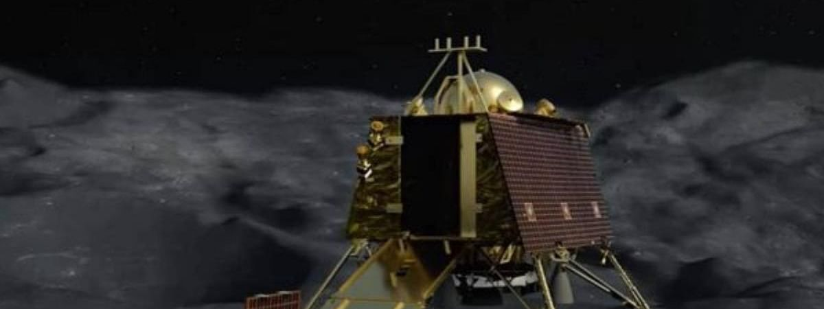 NASA finds no trace of moon lander