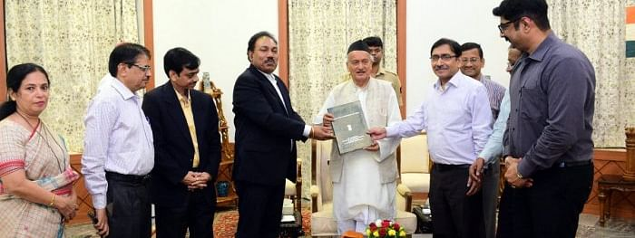 State CEO presents list of Elected MLAs to Maharashtra Governor