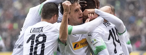 Monchengladbach crush Augsburg 5-1 to go top of Bundesliga