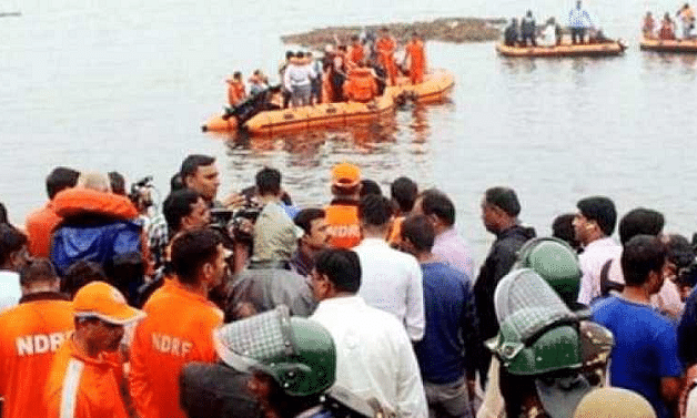 AP: Capsized boat salvaged: five bodies of tourists traced in AC cabin