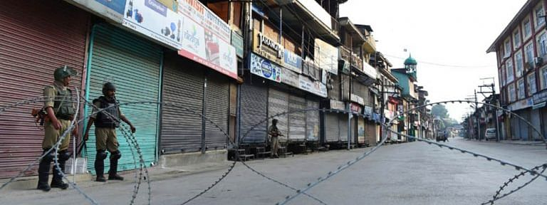 Life crippled for 67th day in Kashmir