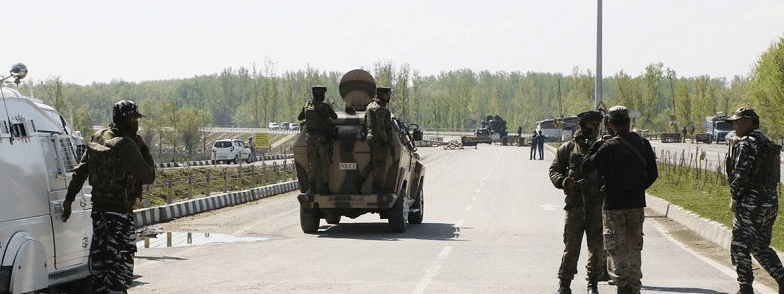 Terrorists kill five labourers from West Bengal in Kashmir
