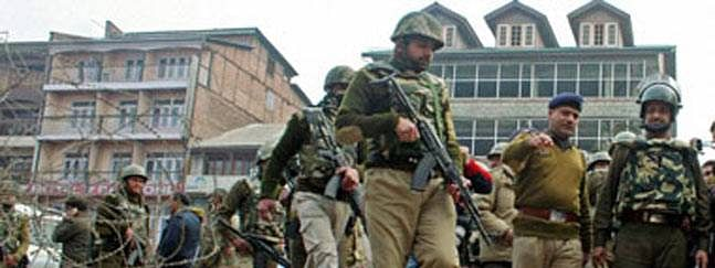 Five CRPF jawans hurt in Srinagar militant attack