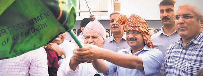 Kejriwal flags off 104 new buses