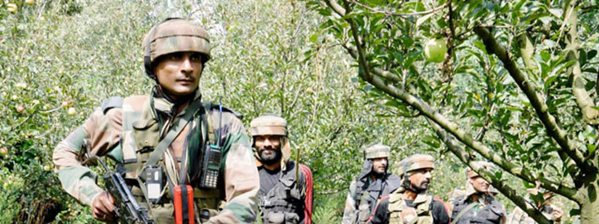 Pak shell Kathua, Poonch outposts