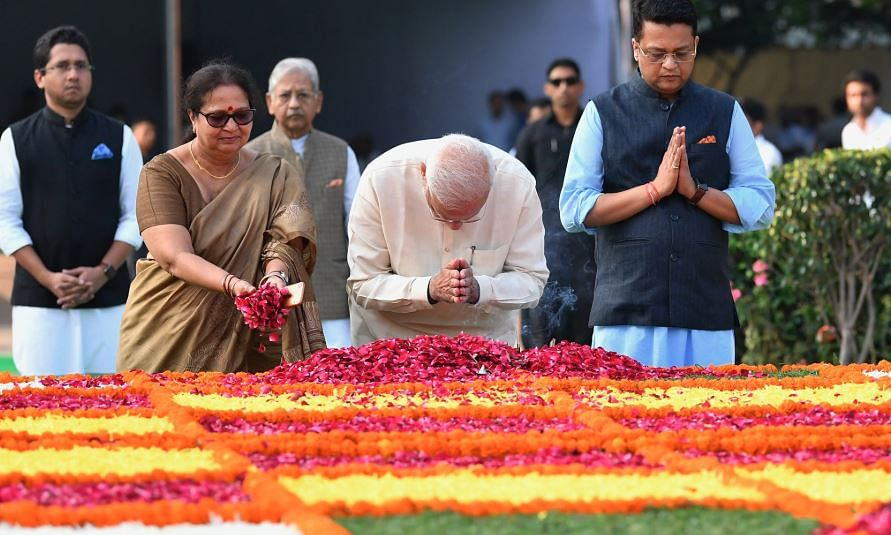 PM pays tribute to former PM Lal Bahadur Shastri