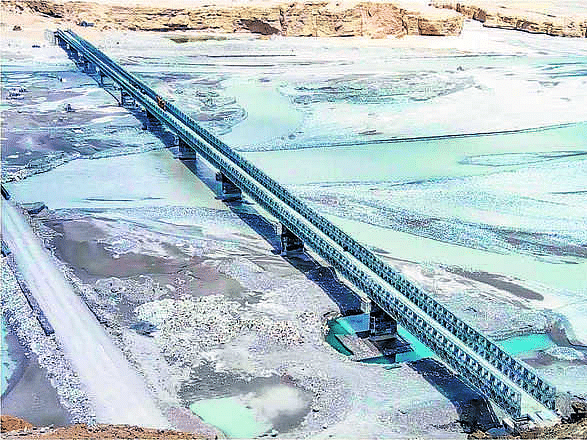 Key Leh bridge for tanks movements