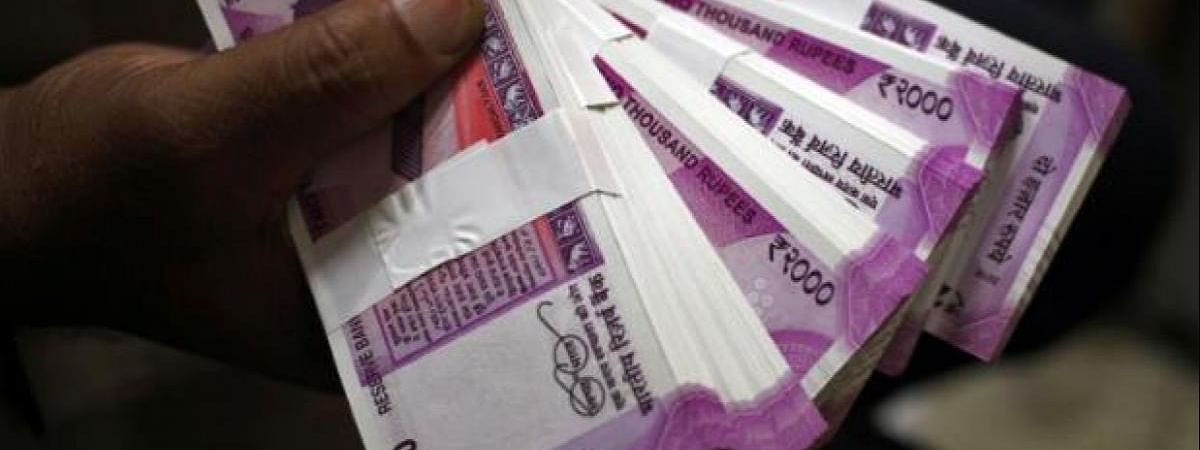 Mah polls: Rs 20 lakh seized from car
