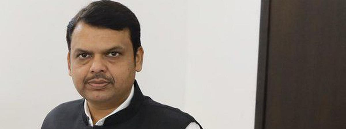 Nagpur police delivers summons to Fadnavis