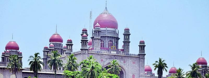 Telangana HC directs Govt to negotiate with TSRTC Employees