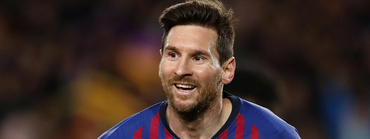 Messi returns to Argentina squad after ban
