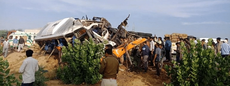 Eleven killed in truck-bus collision in Rajasthan