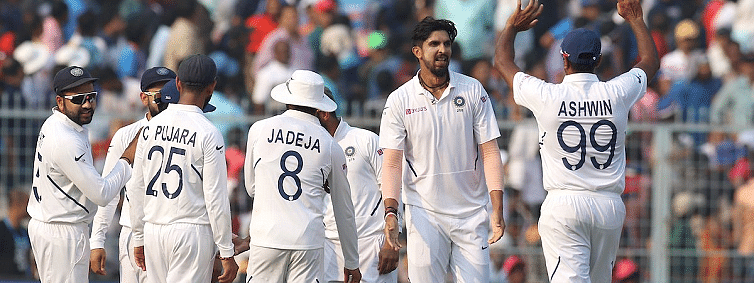 Ishant's fiery spell of 5/22 bundles out Bangladesh for 106 in D/N pink-ball Test