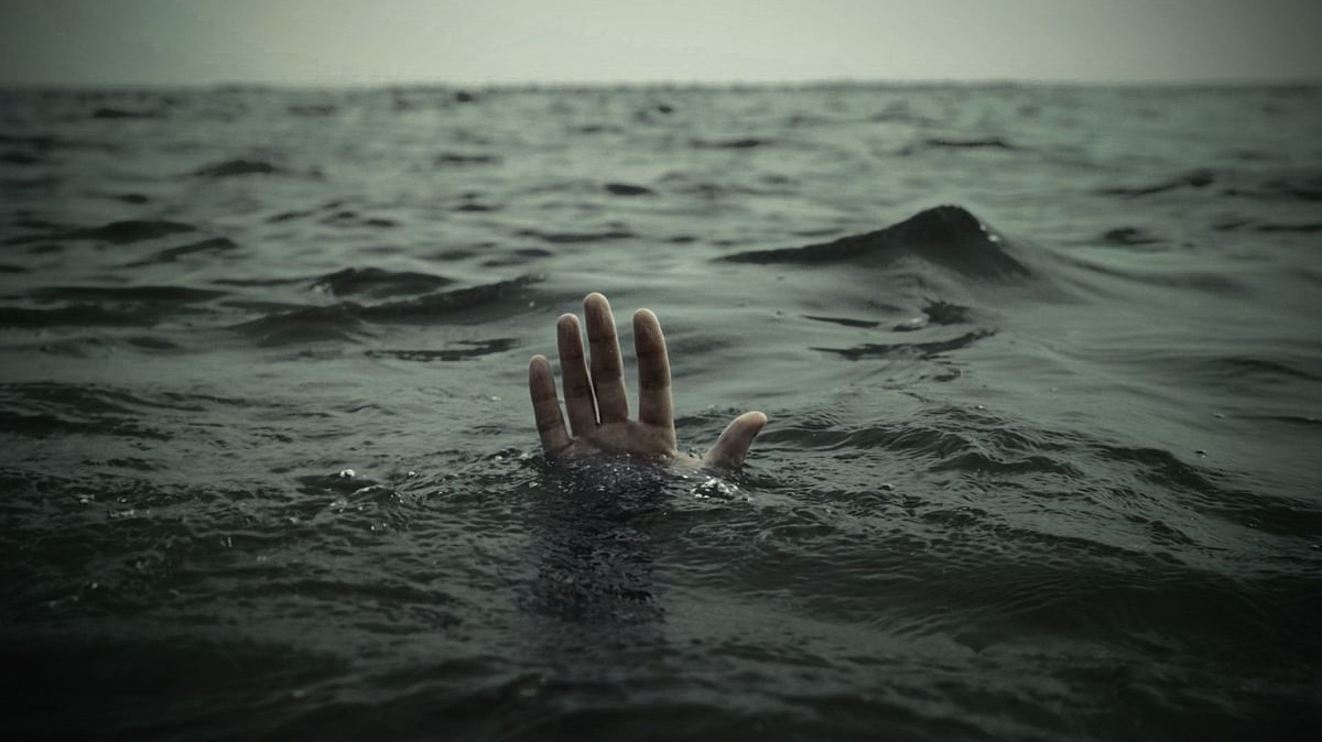 Three youth drown in stream