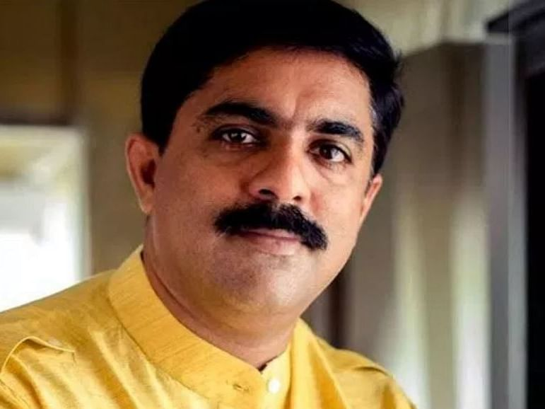 Vijay Sardesai says sorry for continuing support to BJP after Parrikar's demise